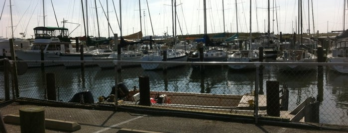 Willoughby Spit Marina is one of Viningsさんのお気に入りスポット.