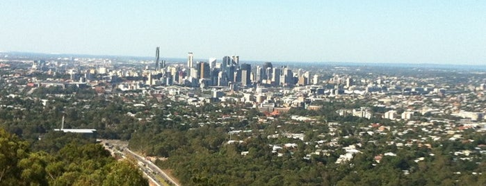 Mount Coot-tha Lookout is one of Jas' favorite urban sites.