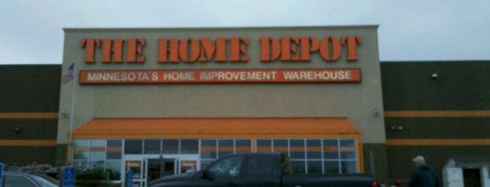 The Home Depot is one of Lieux qui ont plu à Derek.