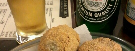 Bar do Bolinho is one of Beber e comer bem ;D.