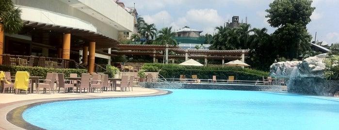 Marco Polo Plaza - Pool Bar is one of CEBU PI.