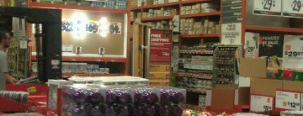 The Home Depot is one of สถานที่ที่ Pamela ถูกใจ.