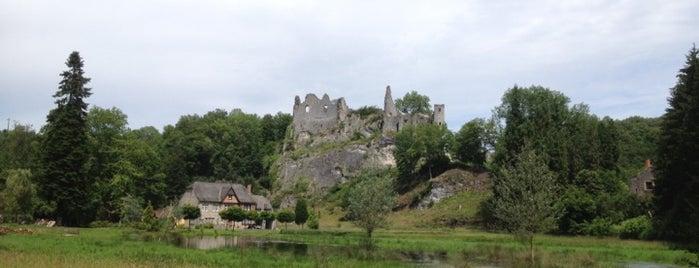 Ruines de Montaigle is one of Uitstap idee.
