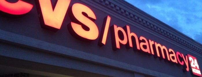 CVS pharmacy is one of Orte, die Chris gefallen.