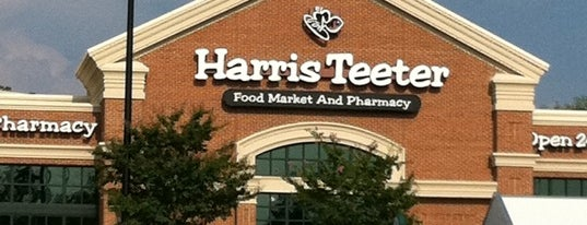 Harris Teeter is one of Triangle Real Estateさんのお気に入りスポット.
