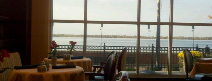 Sheraton Erie Bayfront Hotel is one of Annieさんの保存済みスポット.