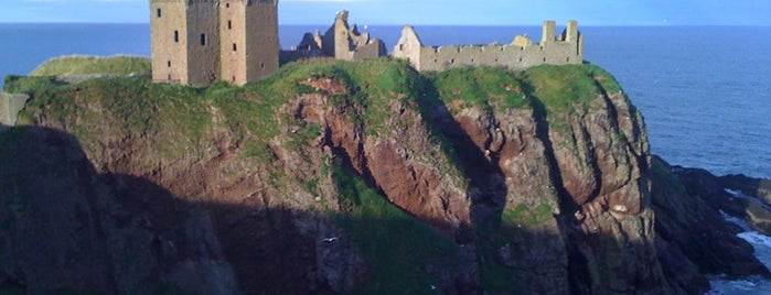 Castillo de Dunnottar is one of Sightseeing spots and historic sites.