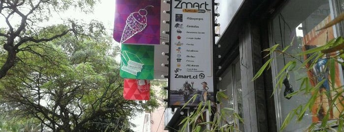 Zmart is one of Por ai... em Santiago (Chile).
