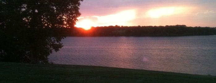 Lake Shawnee is one of Poplifeさんのお気に入りスポット.
