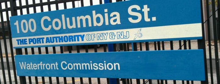Columbia Street Waterfront is one of Tempat yang Disukai Matt.