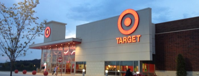 Target is one of Lugares favoritos de Jason.