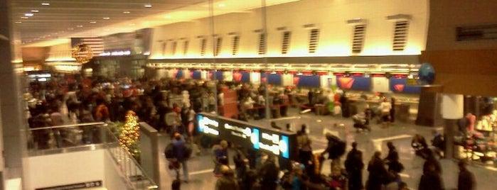 Boston Logan International Airport (BOS) is one of International Airport Lists (2).