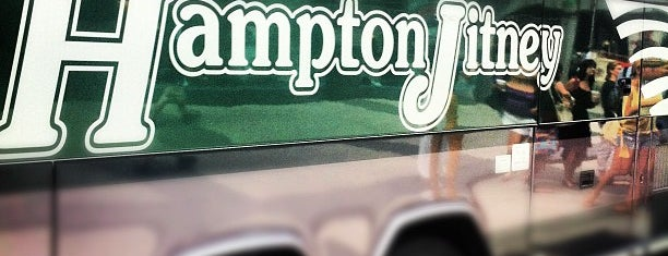 Hampton Jitney - 59th St is one of Locais curtidos por Jason.