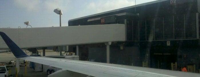 Aeropuerto Internacional de Mineápolis-Saint Paul (MSP) is one of Services.