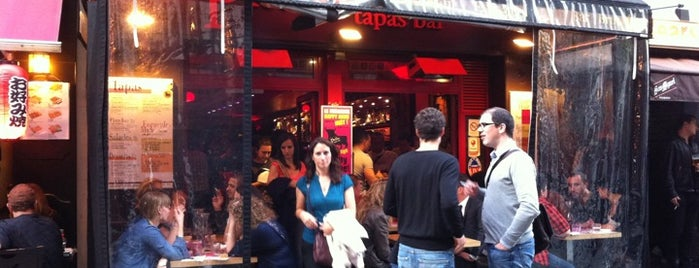 Les Piétons is one of date spots.