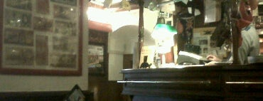 Britannia Pub is one of √ Best Cafès & Bars in Genova.