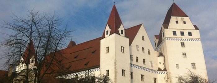 Neues Schloss / Bayerisches Armeemuseum is one of สถานที่ที่ Miguel ถูกใจ.