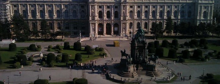 自然史博物館 is one of Vienna, Austria - The heart of Europe - #4sqCities.