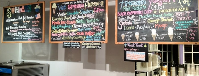 Izzy's Premium Frozen Yogurt & Ice Cream is one of Adventures in Dining: USA!.