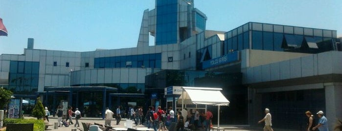 İstanbul Deniz Otobüsleri Genel Müdürlüğü is one of Lieux qui ont plu à Bulent.