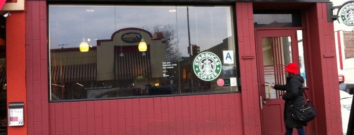 Starbucks is one of สถานที่ที่ Kev ถูกใจ.