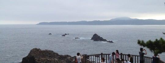 碁石海岸 is one of 日本の渚百選.