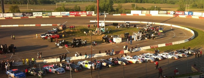 Elko Speedway is one of Locais curtidos por Aaron.