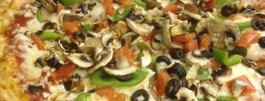 Boardwalk Pizzeria is one of Tempat yang Disukai Glenn.