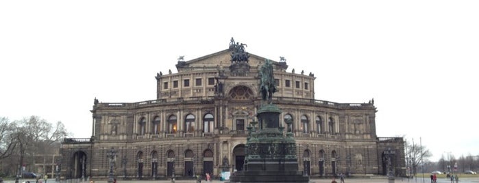 Semperoper is one of 100 обекта - Германия.