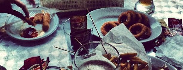 "Williams Pub is one of ""Qu'ils mangent de la brioche!""."