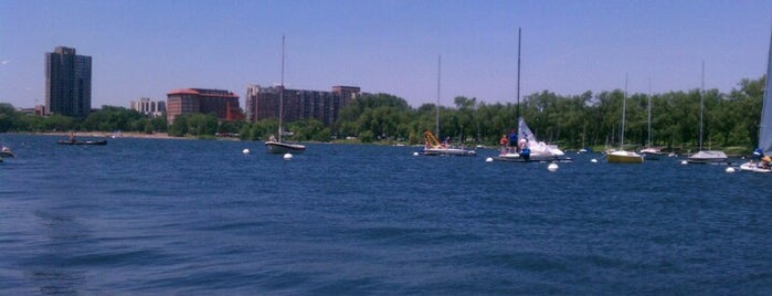 Lake Calhoun Sailboat Dock is one of Alan'ın Beğendiği Mekanlar.