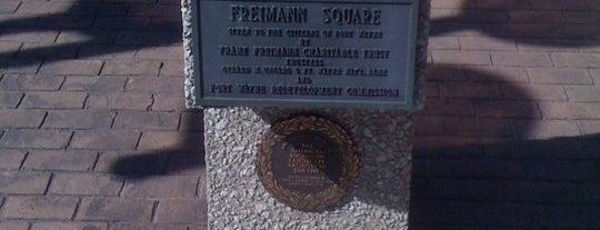 Freimann Square is one of Gespeicherte Orte von kirk.