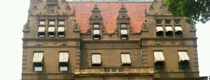 Pabst Mansion is one of Must See Things In Milwaukee.