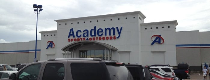 Academy Sports + Outdoors is one of Lieux qui ont plu à Nick.