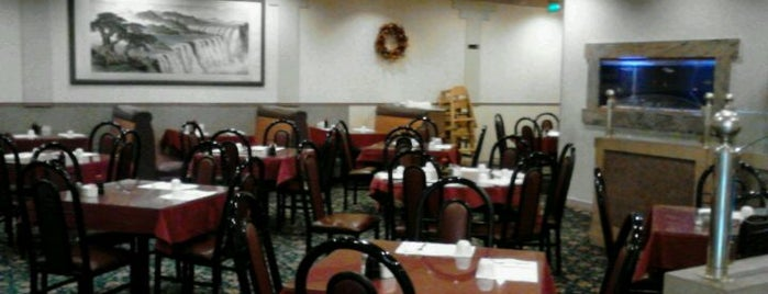 Golden Gate Chinese Restaurant is one of Elisabethさんの保存済みスポット.