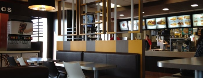 McDonald's is one of Orte, die Nora gefallen.