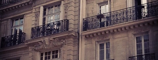 Rue des Dames is one of Restaurants du monde à Paris.