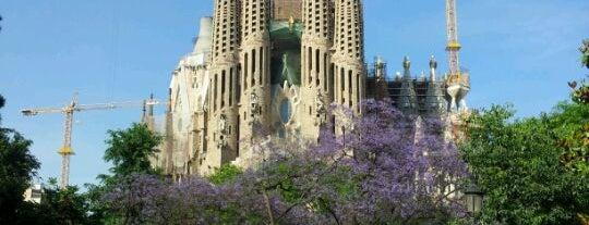 Plaça de la Sagrada Família is one of Barcelona Essentials.