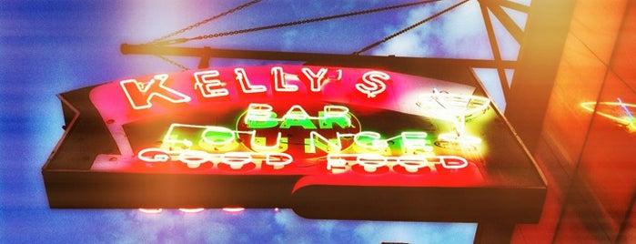 Kelly's Bar & Lounge is one of Tionaさんのお気に入りスポット.