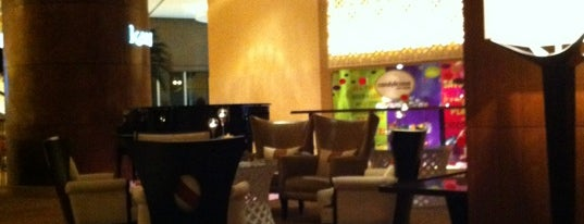 Karat Lobby Lounge is one of Dubai's must places.