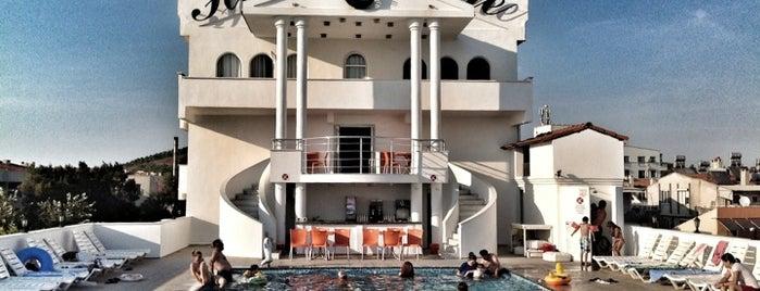 Hotel Mare is one of Posti che sono piaciuti a 🔱Betül.