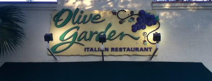 Olive Garden is one of Jess'in Beğendiği Mekanlar.