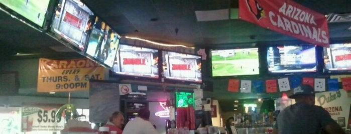 Duke's Sports Bar & Grill is one of Scottsdale.