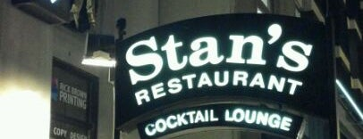 Stan's Restaurant & Lounge is one of Lieux qui ont plu à Tony.