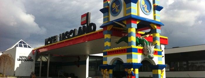 Hotel Legoland is one of Lieux qui ont plu à Alejandro.