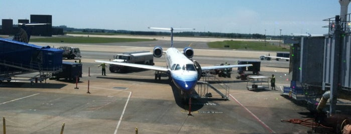 ท่าอากาศยานนานาชาติวอชิงตันดัลเลส (IAD) is one of AIRPORT.