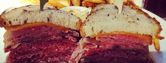 Schwartz's Deli is one of FatList - Paris [FR].
