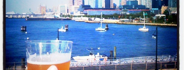 Lightship Frying Pan is one of USA NYC Favorite Bars.