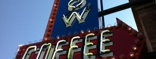 Smokey Row Coffee is one of Lugares favoritos de Mike.
