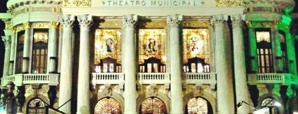 Theatro Municipal do Rio de Janeiro is one of 10 Construções Históricas para Conhecer.